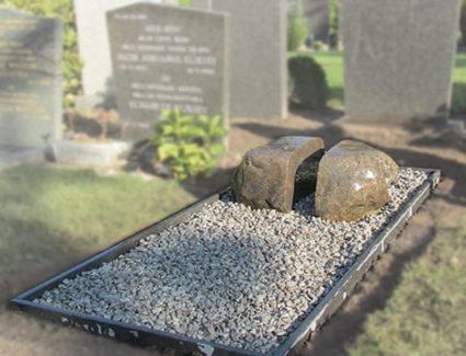 Zwerfkei grafsteen